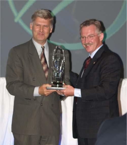 Peter Conlon accepts Exporter of the Year Award
